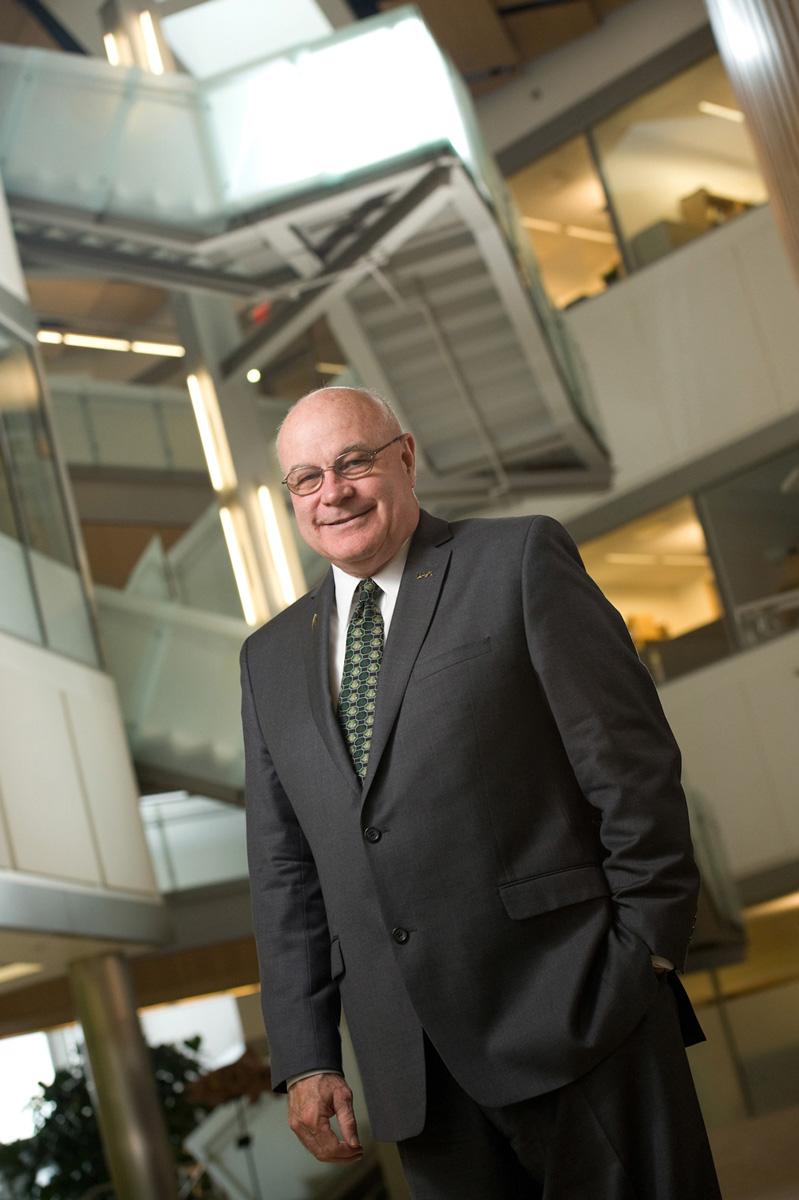 Business Portrait of Chancellor Tom Case, UAA.