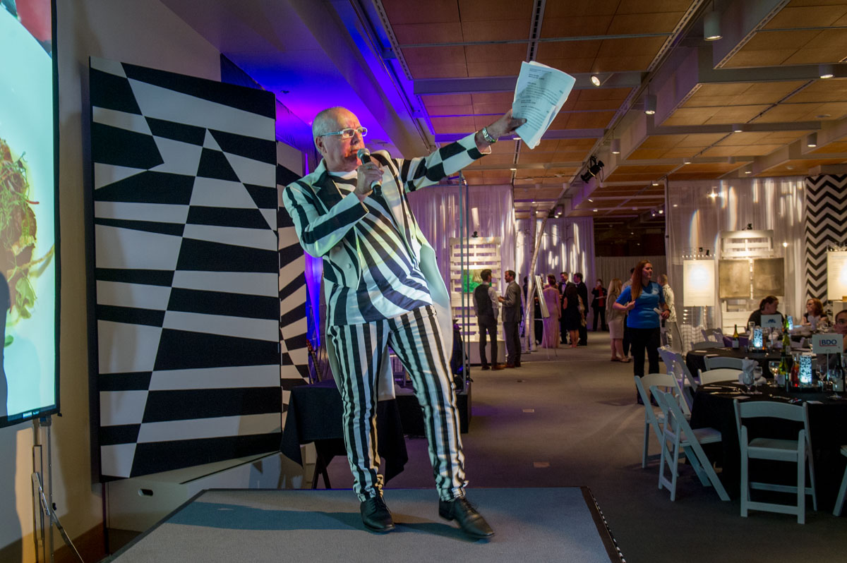 Museum Gala auctioneer Daryl Schaf